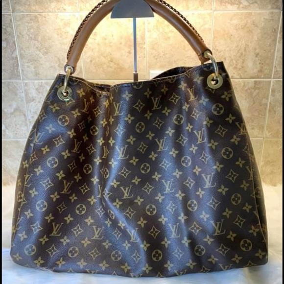 Louis Vuitton Handbags - Louis Vuitton artsy gm